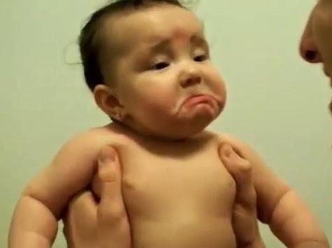 lucu, [Video] Tangisan Lucu Bayi Karena Sang Ayah