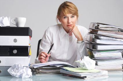 meja kantor, Trik Mudah Agar Nyaman Bekerja di Meja Kantor