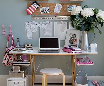 Kantor, Lawan Jenuh Di Kantor Dengan Tata Ulang Meja Kerjamu