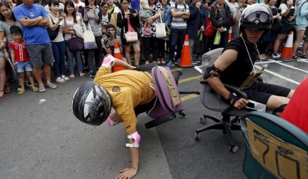kursi kantor, Benar Terjadi! Balapan Kursi Kantor Di Taiwan